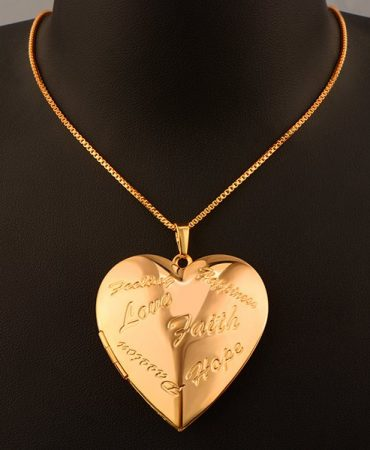 Elegant Trendy Heart Design Necklace Golden Color