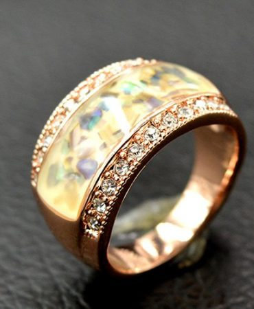 Noble Elegant Rhinestone Womens Stone Ring