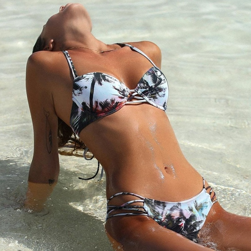 Резултат со слика за photos of women bikinis